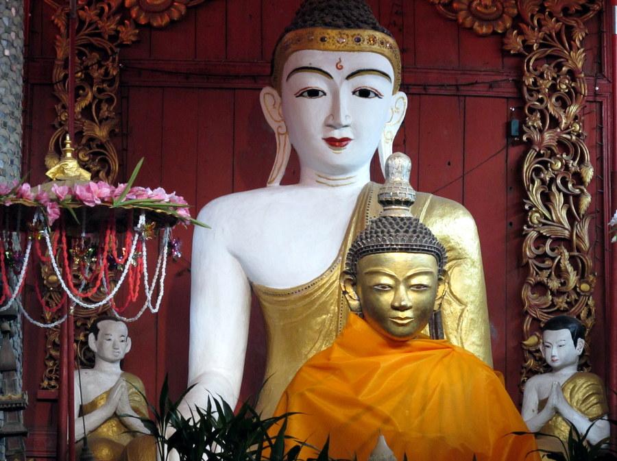 Buddha at Wat Pa Pao