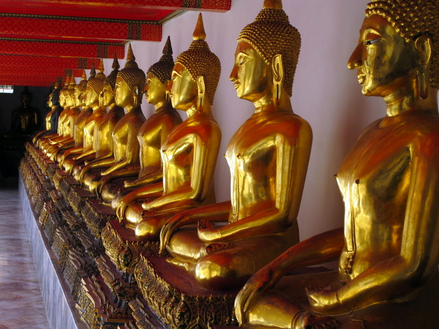 Gallery of Buddha's at Bangkok's Wat Po