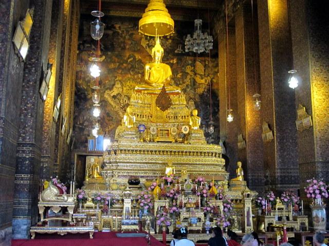 Temple altar in Wat Po, Bankok