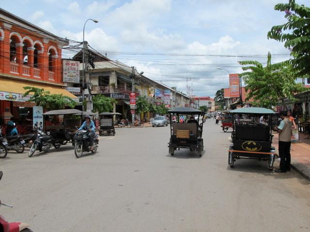 A street scene in sleepy Siem Reap, Cambodia