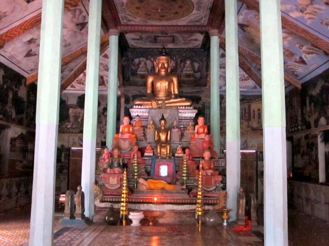 Interior of Wat Prasat Bakong
