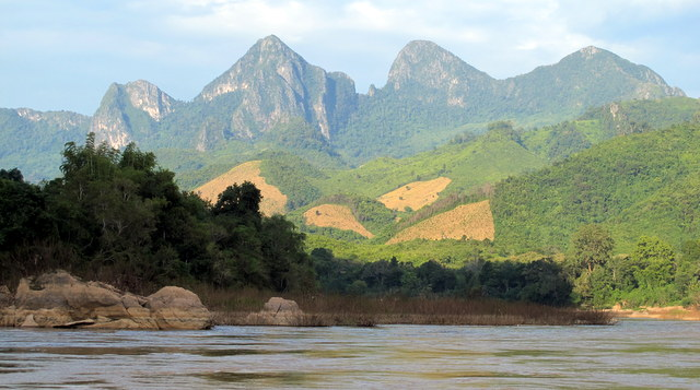 Going to Nong Khiaw another slow river trip.