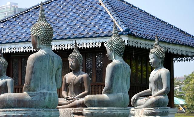 Buddha's at the Meditation Pavilion designed by Geoffrey Bawa