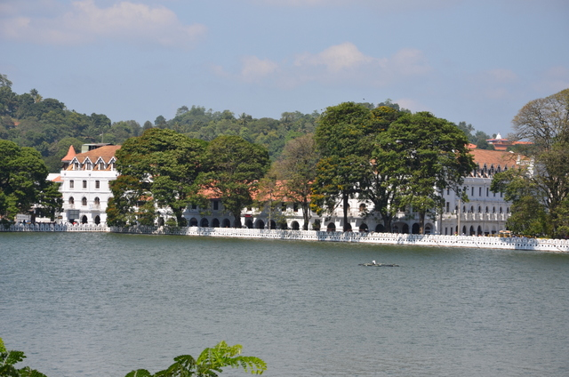 Queens Hotel on Kandy Lake