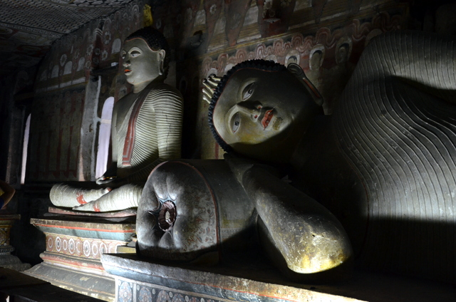 Reclining Buddha in The Royal Cave Temple